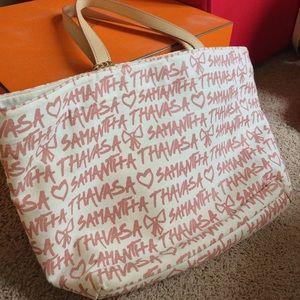 Samantha Thavasa - Classic Shoulder Bag